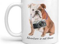 Taza de cafe con diseño de bulldog ingles fotografo